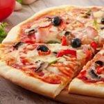 Receita de pizza de mussarela low carb, fácil, saudável e deliciosa