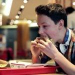 Má Alimentação Durante a Adolescência Pode Já Afetar a Fertilidade de Homens no Futuro