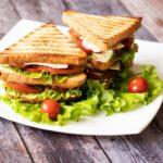 Receita de sanduíche de frango e legumes com poder diurético