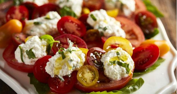 Salada com ricota low carb
