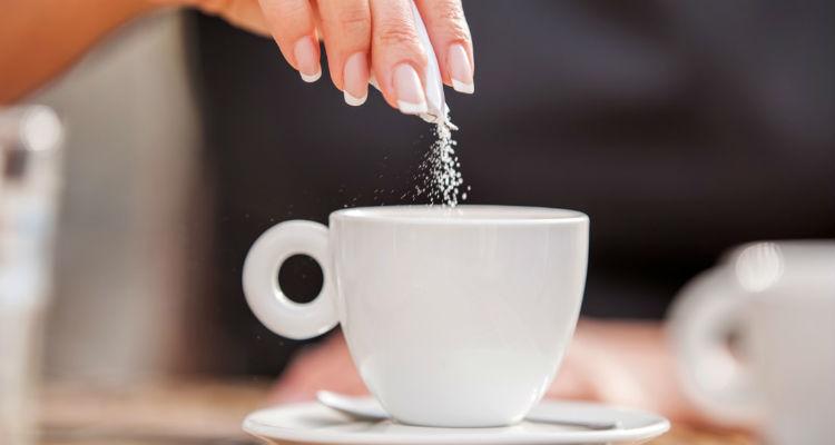 Açúcar no café