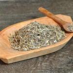 5 Benefícios do Chá de Losna - Para Que Serve e Contraindicações