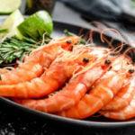 mulher menstruada pode comer camarão?