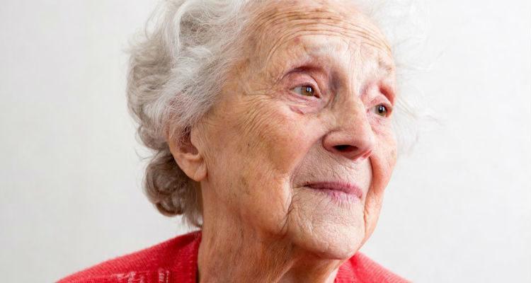 Idosa com demência