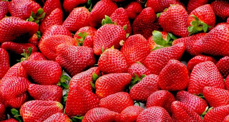 morangos 5 Melhores Frutas para Baixar Glicose