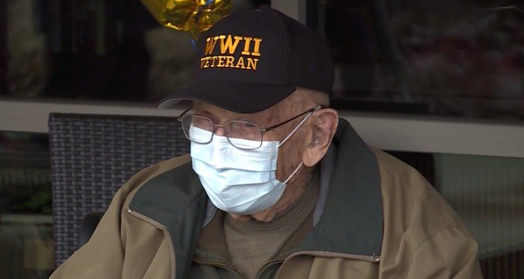 bill-coronavirus Veterano da 2ª Guerra é Pessoa Mais Velha a se Recuperar de Covid-19 e Comemora 104 anos