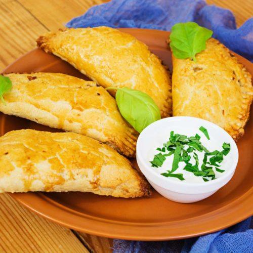 Empanada de batata doce e legumes fit e saudável