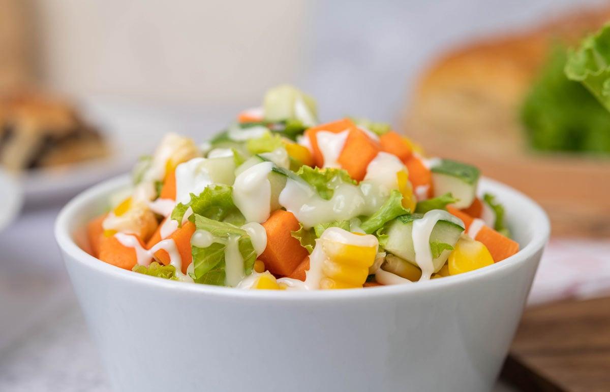 Salada de cenoura saudável e gostosa