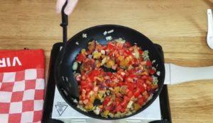 Moqueca Vegetariana de Legumes com Ovo - passo 2