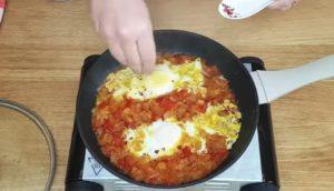 Moqueca Vegetariana de Legumes com Ovo - passo 4