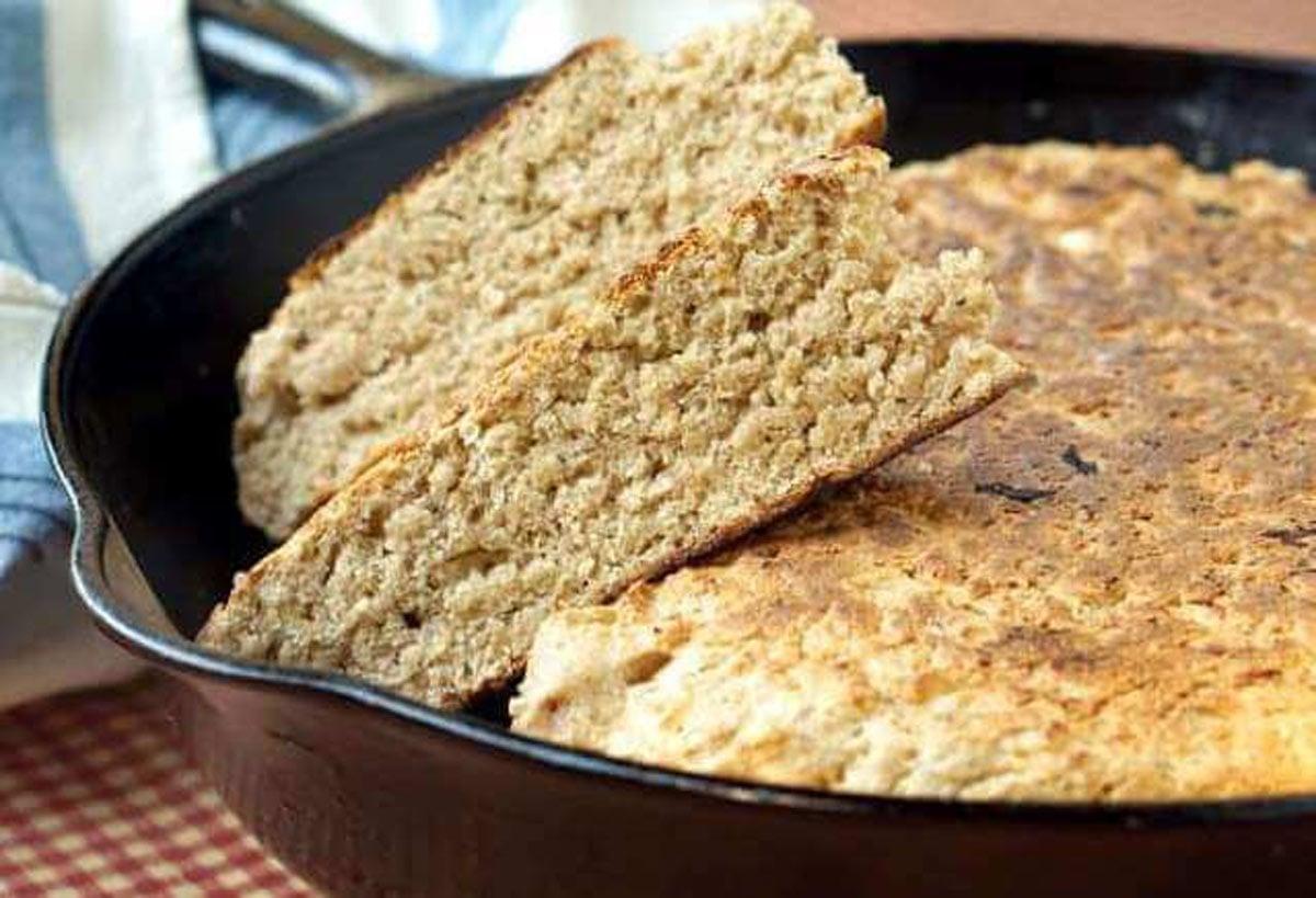 Pão de aveia na frigideira, delicioso e fácil