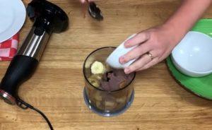 Sorvete de Banana com Amendoim Fit sem Açúcar - passo 1