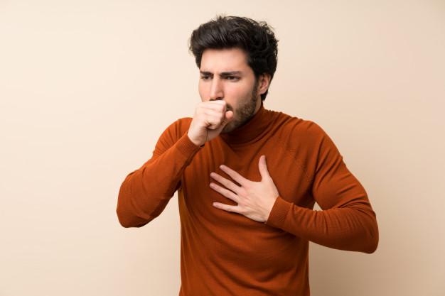 homem com bronquite