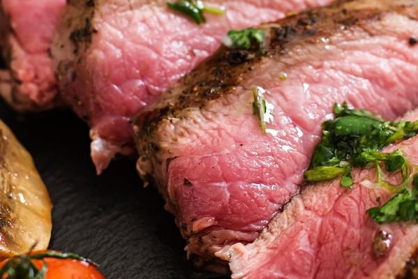 carne-crua-contaminada