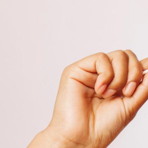 limpar-ouvido-com-cotonete