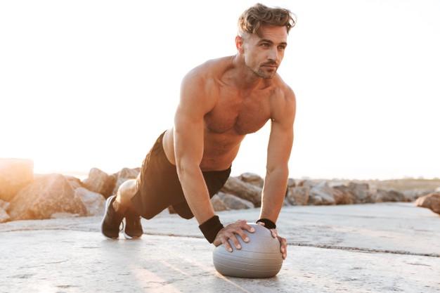 exercício prancha com bola