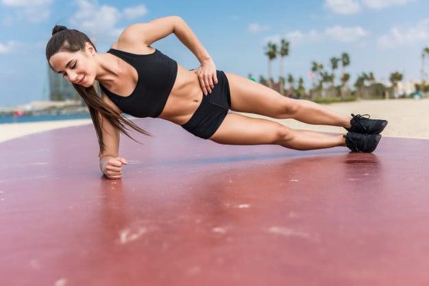 exercício prancha lateral