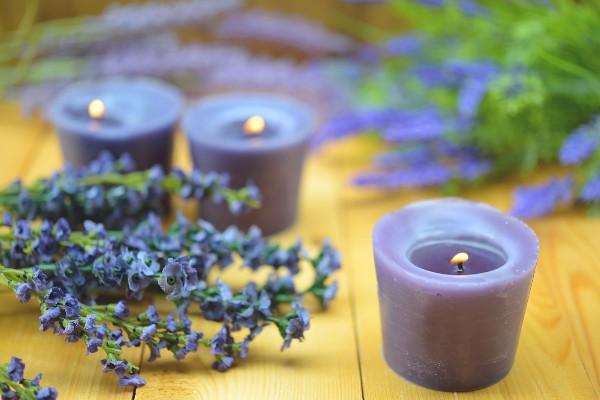 velas-com-aroma-de-lavanda