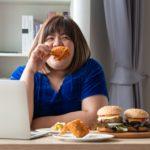 A comilança em excesso pode te deixar deprimido!
