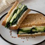 Receita de sanduíche natural vegetariano de ricota com pepino!
