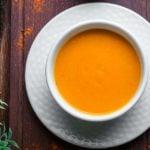 Receita de sopa de cenoura light e fácil de fazer