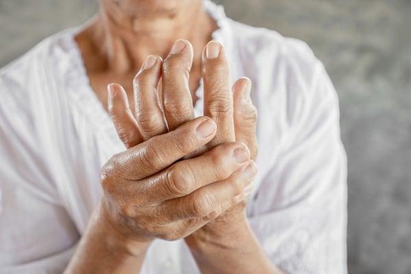 artrite na mão