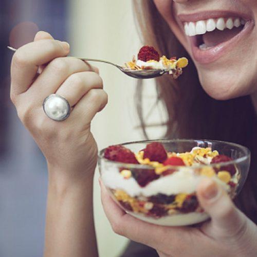 Alimentação para clarear os dentes