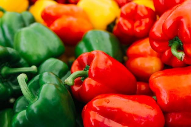 Pimentão amarelo, vermelho e verde