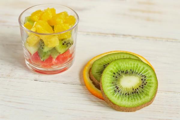 salada de frutas cítricas