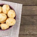 Receita de pão de queijo com farinha de tapioca - Só 3 ingredientes!
