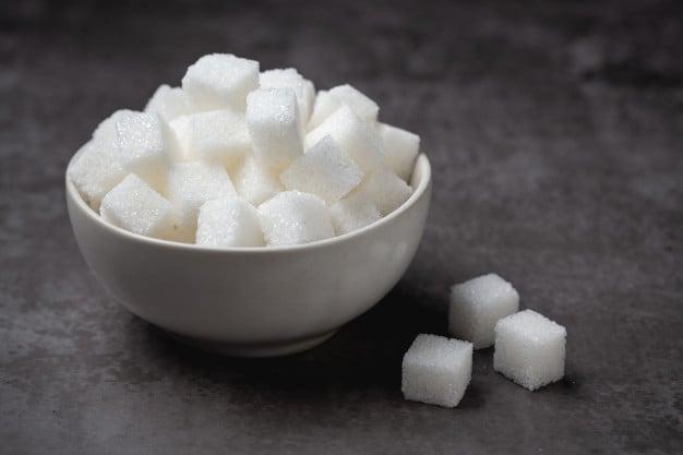 Açúcar branco refinado