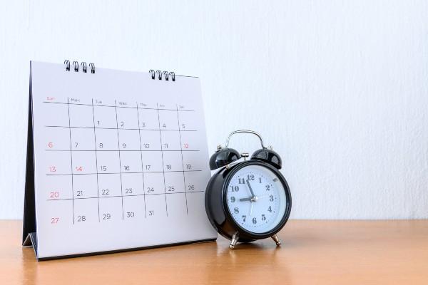 calendario y reloj para controlar el ayuno alterno
