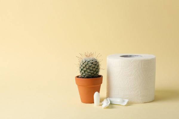 papel higiênico e remédio