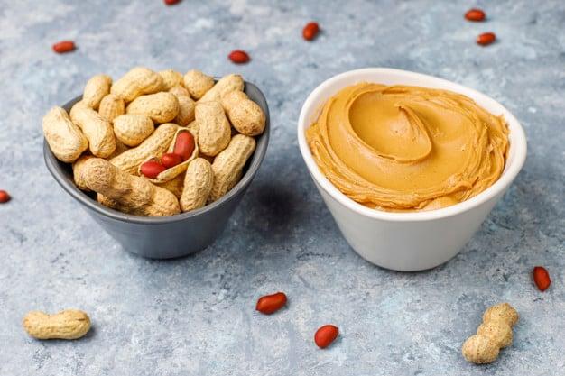 Amendoim com casca e pasta de amendoim