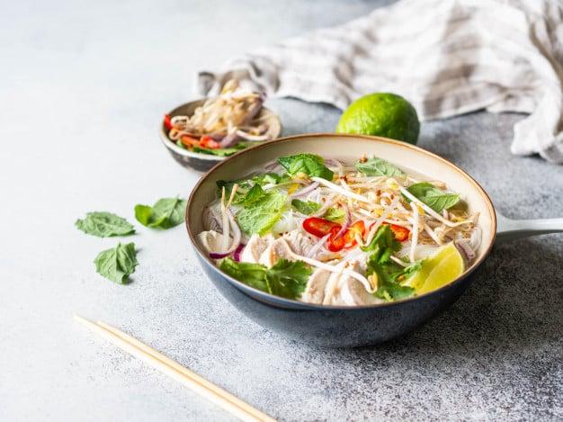 Sopa de brotos de feijão