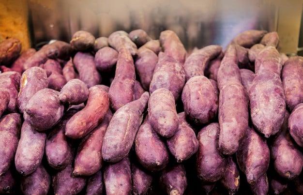 batatas doces no supermercado