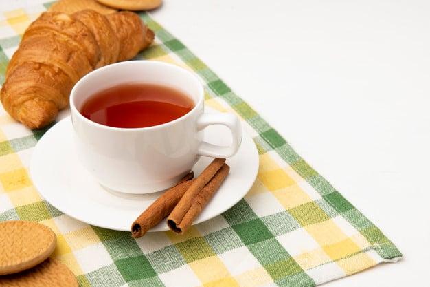 Chá de maracujá com canela