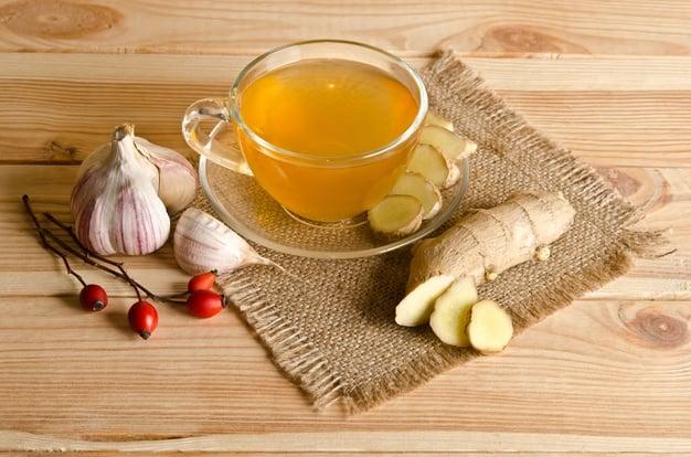 chá de alho com gengibre - fonte de alicina