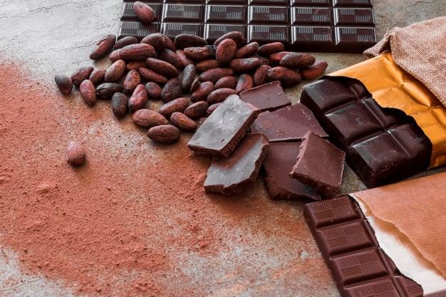 Chocolate amargo com cacau
