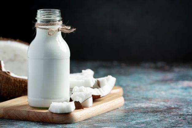 garrafa de leite de coco