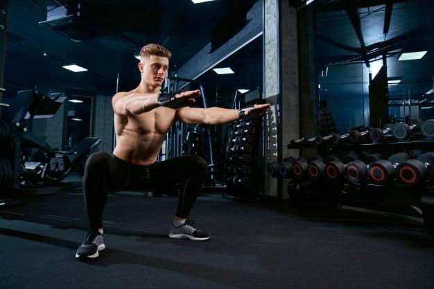 treino de isometria muscular na academia