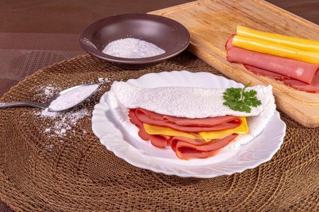 Tapioca com presunto e queijo