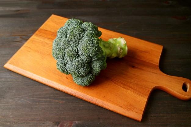brocolis ajuda a ganhar massa muscular