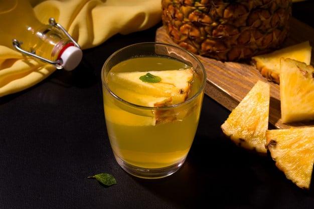 chá de abacaxi com casca