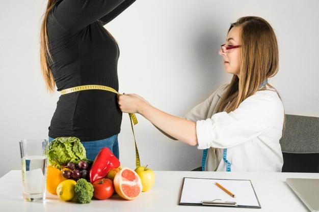 medindo circunferência abdominal na clínica