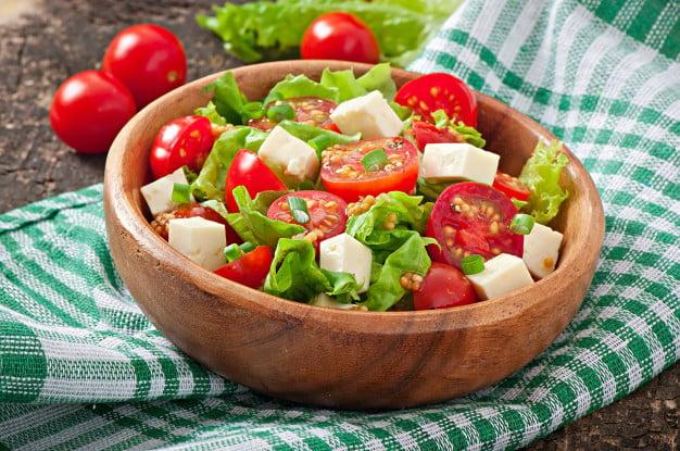 salada caprese de pote