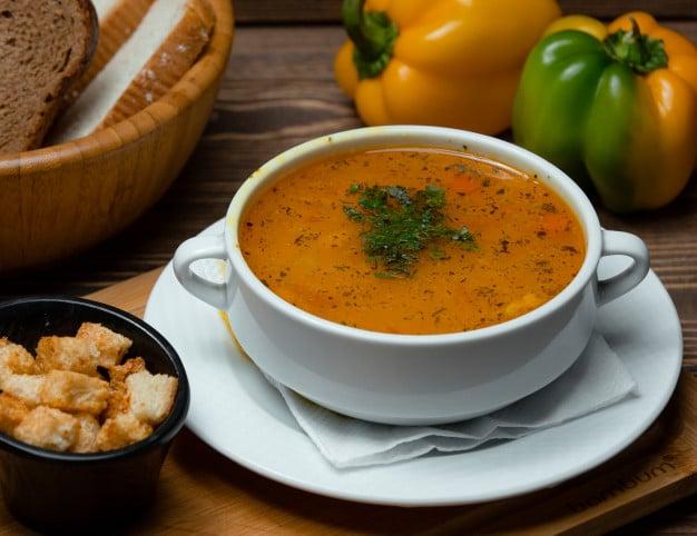 Receita de sopa de repolho light para emagrecer com aipo