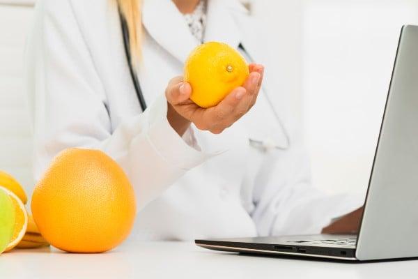Limão é bom para azia na gravidez?