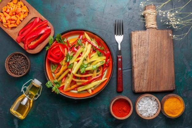 salada de chuchu com pimentão