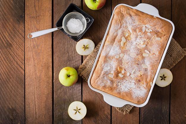 bolo integral de maçã com coco